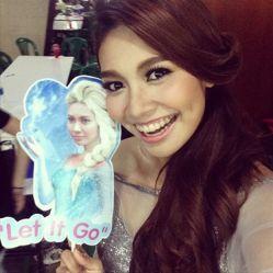 「アナと雪の女王」タイ語版主題歌を歌うのは誰?