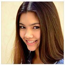 タイの少女がアメリカの新しいオーディション番組「Rising Star」に出演中