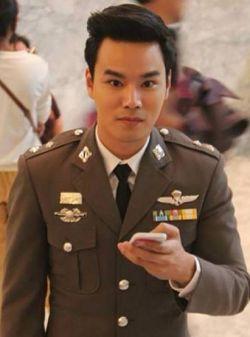 タイのイケメンポリス