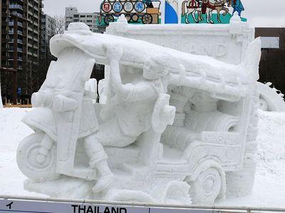 さっぽろ雪まつりの国際雪像コンクールでタイチームが7度目の優勝飾る