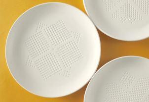 お皿にのせるだけでやせる!?タイ健康促進財団が薦めるダイエット皿「AbsorbPlate」に今熱い視線