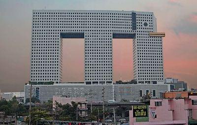 「世界の醜い高層ビル24」にタイから2棟ランクイン!?